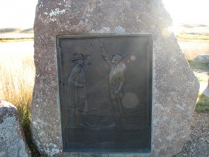 Picture of a plaque on a stone at Bears Paw Battleground